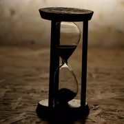hourglass-with-black-sand-clock-in-wooden-base_hzit0w54__S0000